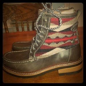 Clarks Pendleton boots